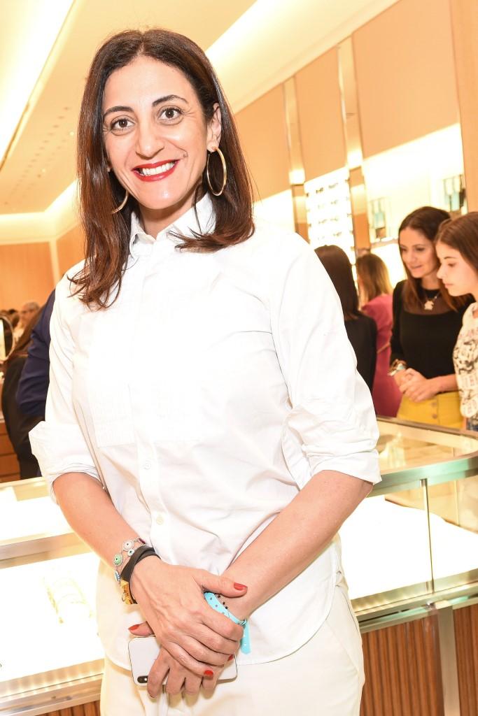 6025b56be3641 Camila Queiroz é a presença vip na inauguração da Tiffany   Co no ...