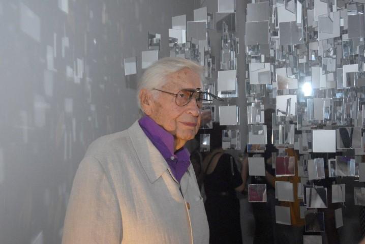 Julio Le Parc abre exposição na galeria Nara Roesler e dá um toque internacional a semana da ArtRio