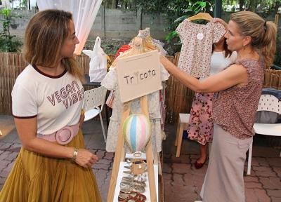"""Germana Gerdau e Maria Monteiro de Carvalho mais Narcisa Tamborindeguy na tarde do """"Fashion Lodge"""""""