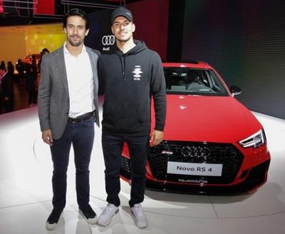 Gabriel Medina e Lucas Di Grassi marcam presença na coletiva da Audi