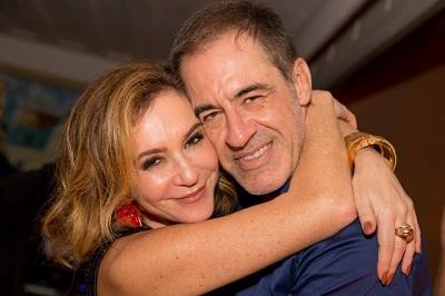 Rachel Chreem faz festa para o amigo Marzio Fiorini que embarca para uma temporada em Miami