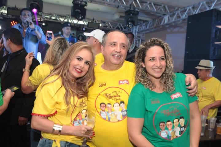 """A tradicional """"Feijoada do Elpidio"""" sacudiu Goiânia com show de Dudu Nobre e Neguinho da Beija Flor"""