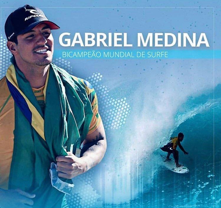 Gabriel Medina supera australiano e é Bicampeão Mundial de Surf vencendo o Pipe Masters