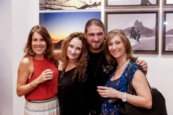 """Ari Kaye inaugura exposição de fotos """"Dois irmãos"""" na Galeria Urban Arts no RioSul"""