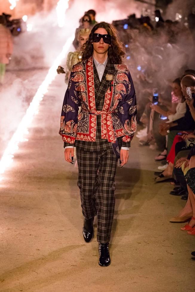 A agenda dos desfiles CRUISE das principais marcas do mundo fashion