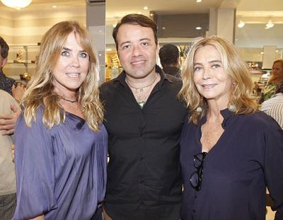 Gustavo Eyewear e Angela Carvalho movimentam a tarde em Ipanema com chiques e famosas