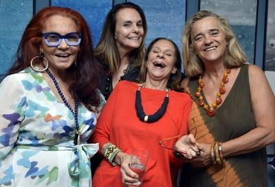 """Revoada lança nova coleção """"Jardim"""" no apartamento do Arpoador de Patricia Secco"""