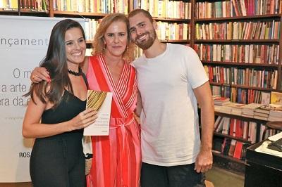 """Rosana de Moraes lançou seu livro """"O Marketing e a Arte do Luxo na Era da Experiência – E Inspirações para Outros Segmentos"""" na Travessa de Ipanema"""