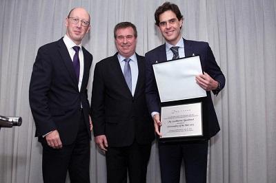 GuilhermeBenchimol recebe o prêmio Personality of the Year da Câmara Britânica no Rio deJaneiro