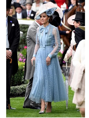 A Duquesa de Cambridge rouba a cena com um look Elie Saab no Royal Ascot