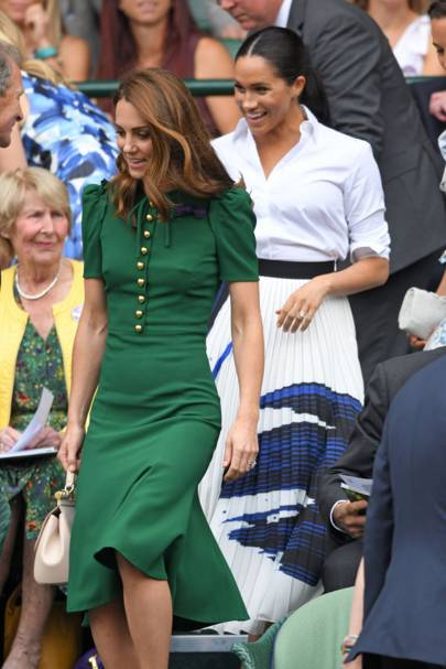 As duquesas Kate e Meghan assistem juntas a final feminina de Wimbledon 2019