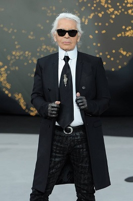 """The White Shirt Project"" o projeto que famosos homenageiam o estilista Karl Lagerfeld"