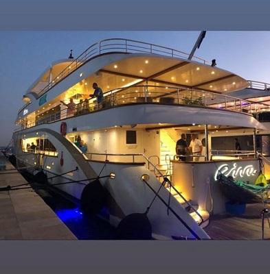 O yacht da alegria parte hoje pela costa adriática com 18 casais a bordo