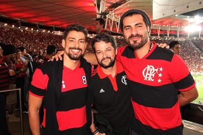 Cauã Reymond e Thiago Lacerda na festa do Flamengo no Maracanã