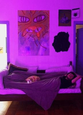 """Duda Freire arma expo """"Pensa Rápido"""" e agita o mundo da arte contemporânea em São Paulo e Felipe Carnaúba sacode o corredor da UFRJ com a expo """"Patifaria"""""""