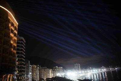 Fairmont Rio de Janeiro Copacabana arma show de luzes para o primeiro réveillon do hotel na cidade maravilhosa