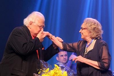 A 7ª edição do o Prêmio Cesgranrio de Teatro homenageia as damas do teatro nacional Eva Wilma e Ruth de Souza em noite glamurosa e arrebatadora