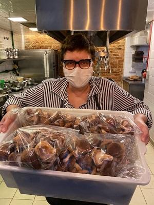 """A chef Roberta Sudbrack conta como estão seus dias de quarentena e seu serviço delivery no """"Quarenta Views"""""""
