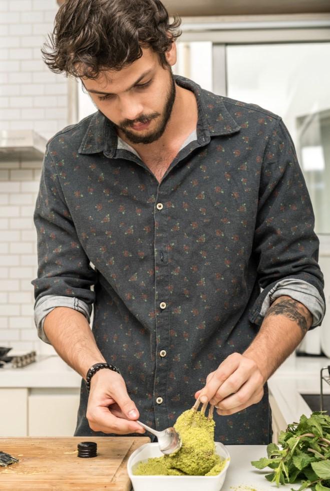 """Newton Rique o aprendiz de chef é a nova geração da gastronomia brasileira conversa com """"Quarenta Views"""""""
