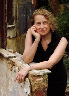 MARTHA PAGY Escritório de Arte/Múltiplos Projetos Culturais brinda seus amigos com vídeo de Anna Bella Geiger
