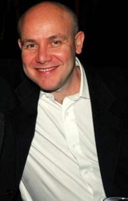 O cirurgião plástico Paulo Müller celebra a marca de nove mil cirurgias