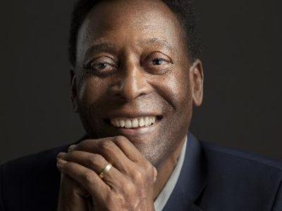 Os 80 anos de Pelé o Rei do Futebol e seu talismã